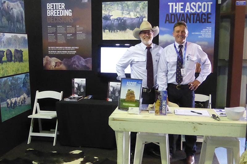 Good friend, Mal Brown from Western Australia helped Jim & Jackie at their 2 busy stands at Beef Week.
